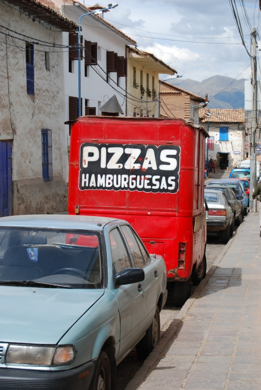 Are pizzas and hamburgers in Peru the same?