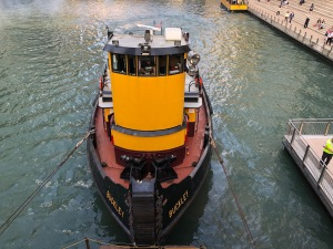 Tugboat in the Chicago River